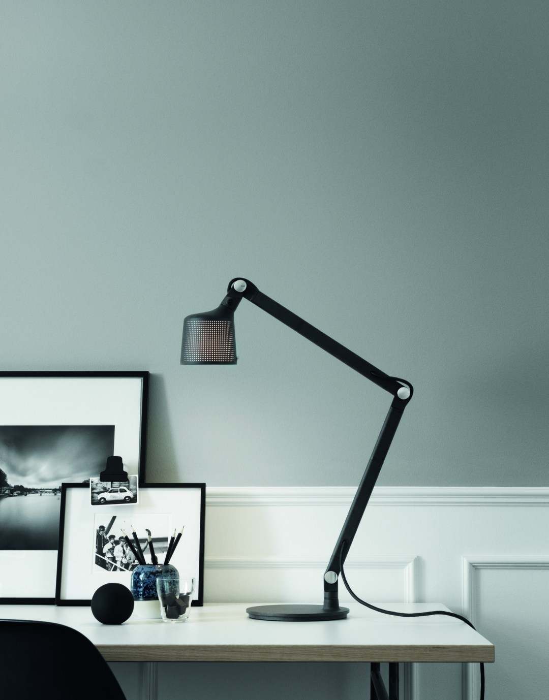 Industrial desk lamp - Vipp lighting