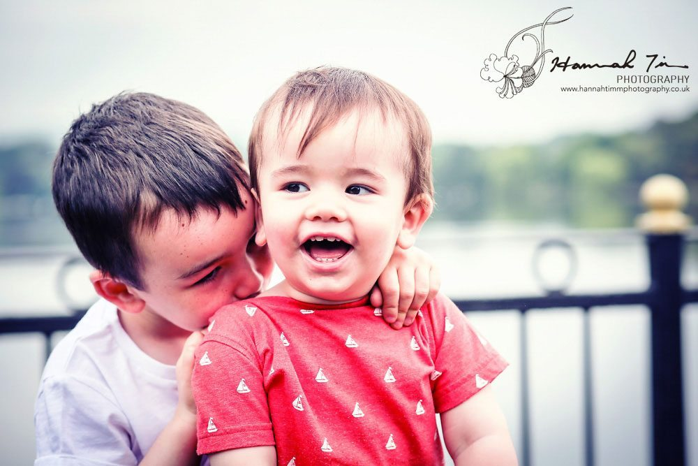 Cardiff family portrait at Roath Park Lake by Hannah Timm Photography