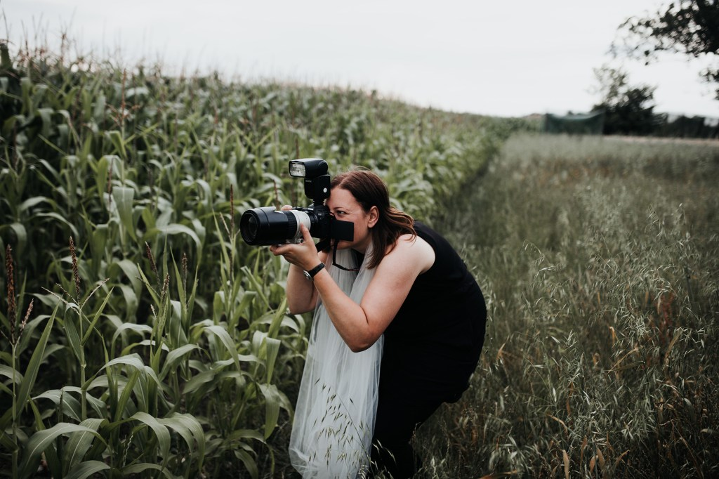 cornwall wedding photographer Hannah Timm