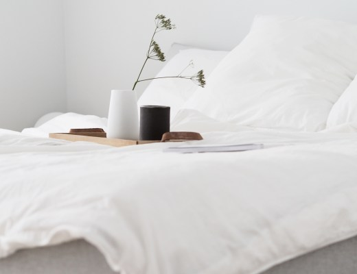 The importance of rest. A Scandinavian minimalist bedroom