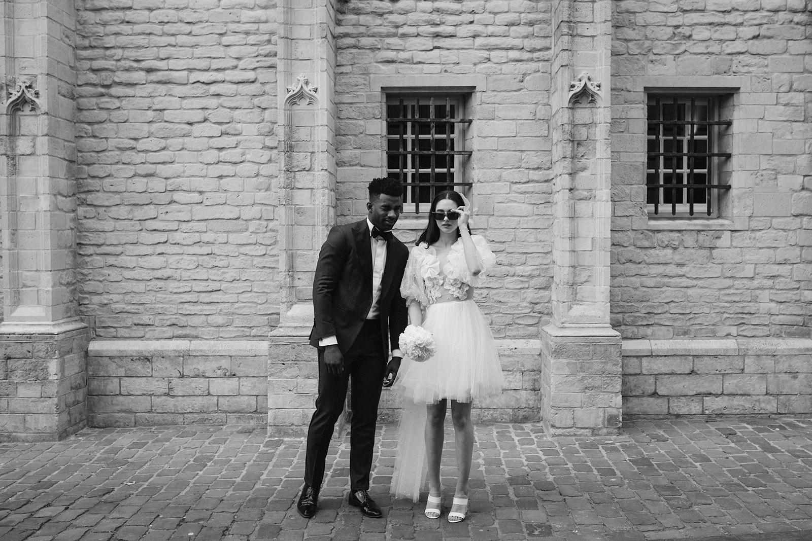Minimalistische trouwjurk, minimal weddingdress, sustainable weddingdress, duurzame trouwjurk, hanneke peters couture, liselore stap