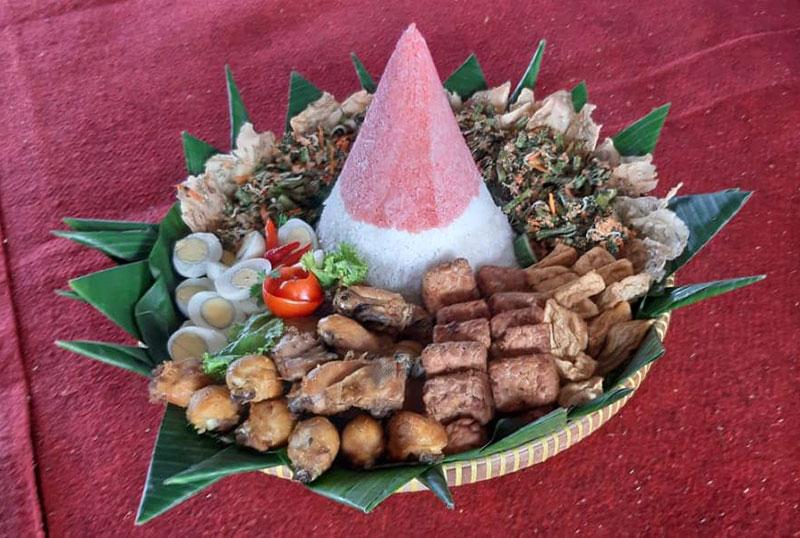 Makanan-Tradisional-di-Kenduri-Nusantara-2019-Pati
