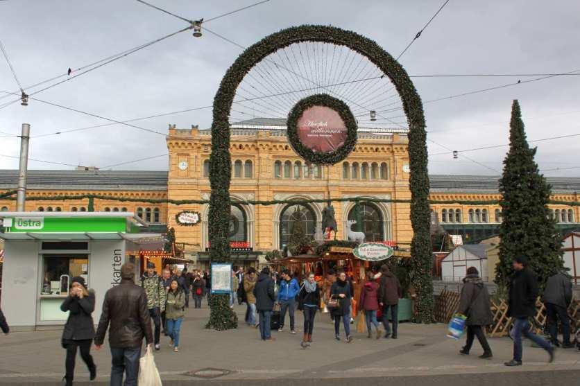 Weihnachtsmarkt auf dem Ernst-August-Platz