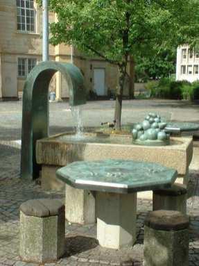 Brunnen vor der Neustädter Kirche