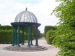 Pavillon im südlichen Gartenteil