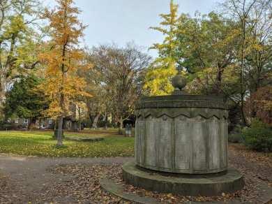 Mahnmal auf dem Friedhof