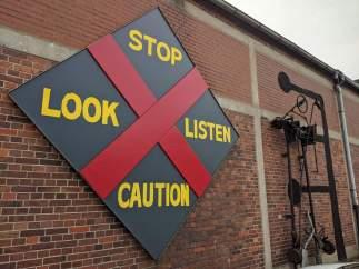 Gerd Winner: stop-look-listen caution