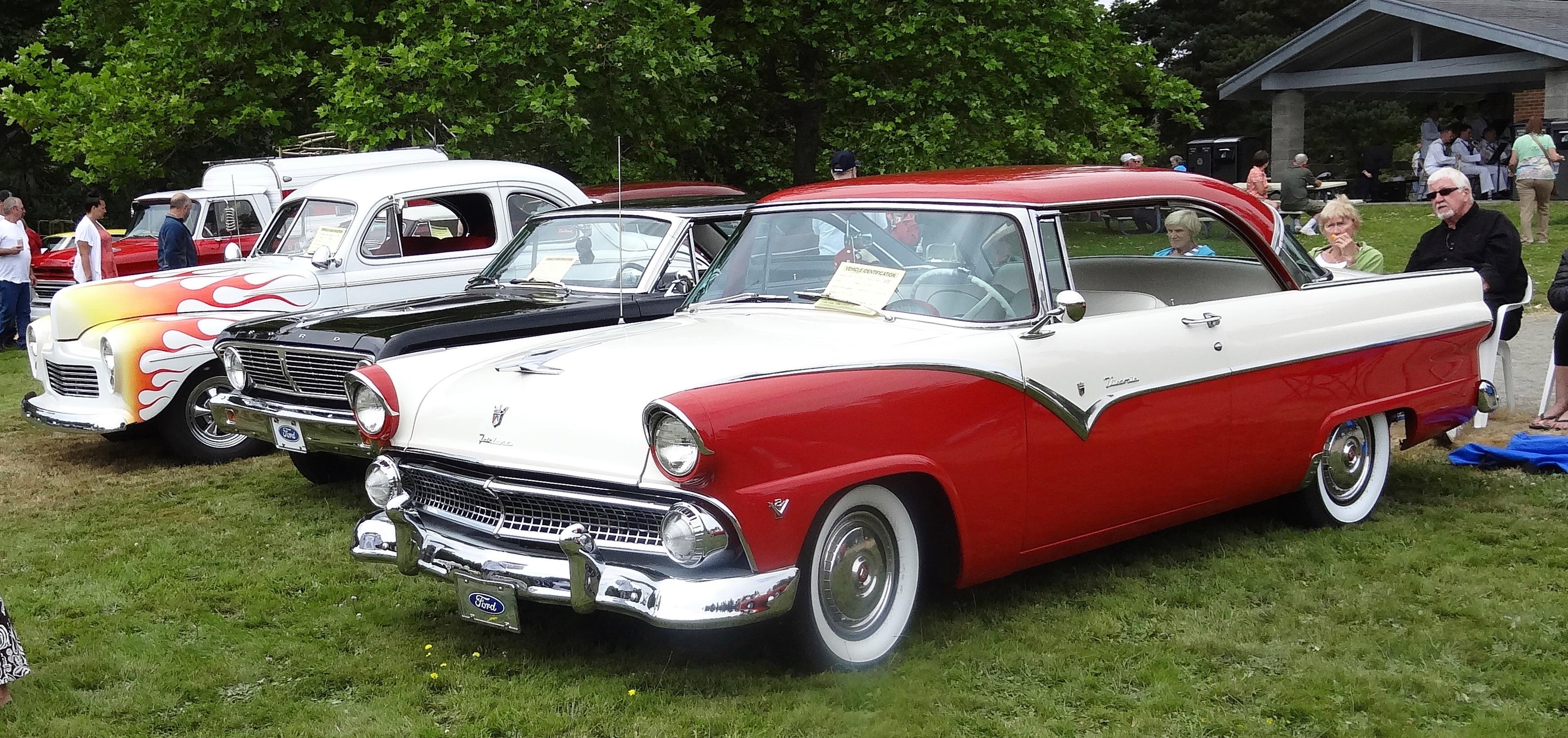 55 Ford Victoria