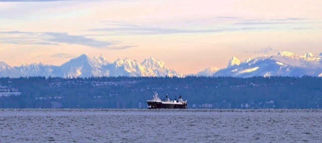 Mtns and Trawler
