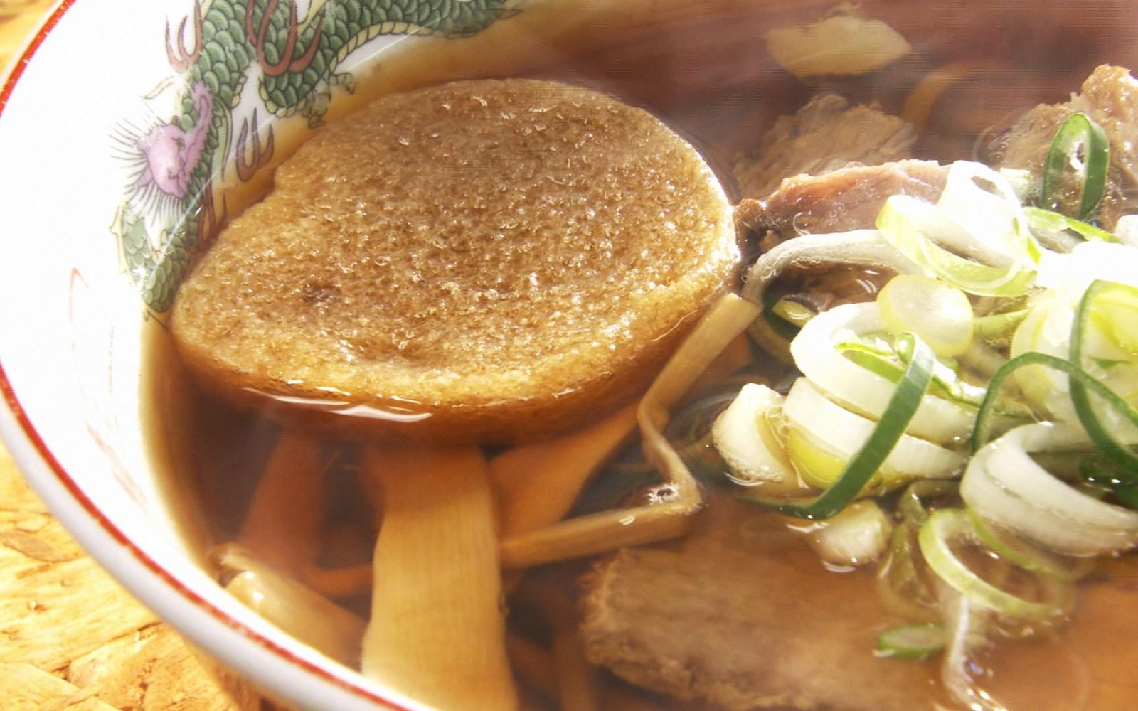 王道の煮干しスープが嬉しい♪青森が満喫できる店内で頂く一杯