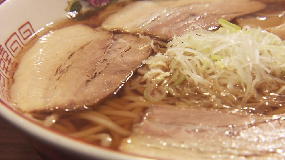 煮干しの酸味ともちもち麺!ゆったりとしたラーメンタイムを