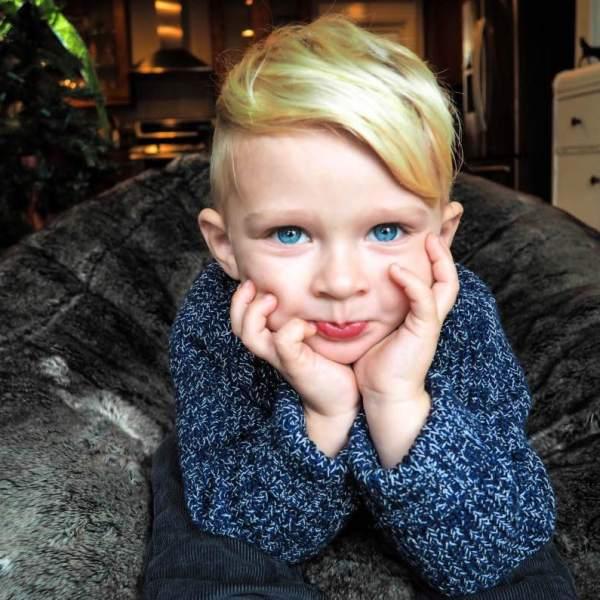 Holiday fashion for Toddlers with OshKosh B'gosh