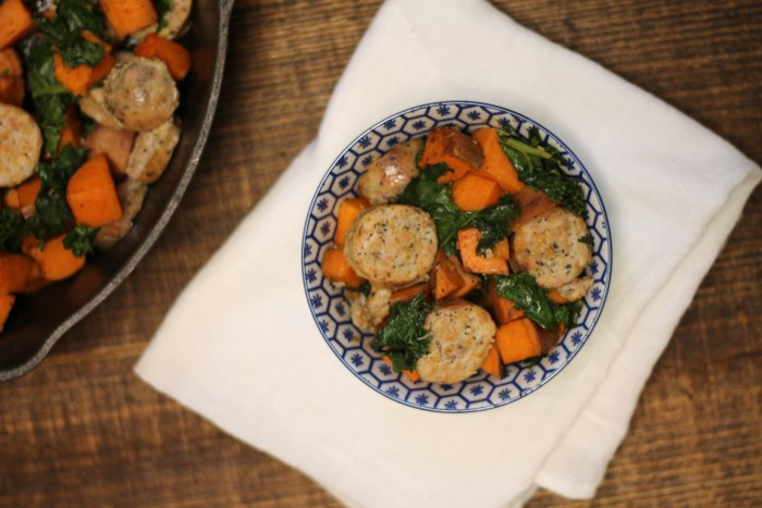 Kale, Spinach and Chicken Sausage | read more at happilythehicks.com