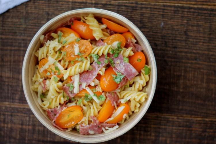 Healthier Pasta Salad   read more at happilythehicks.com