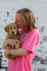 Five Reasons Why I Love Being a Dog Mom | read more at happilythehicks.com