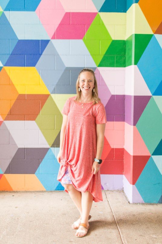Go back to school shopping with LuLaRoe- Carly and Cassie! | read more at happilythehicks.com