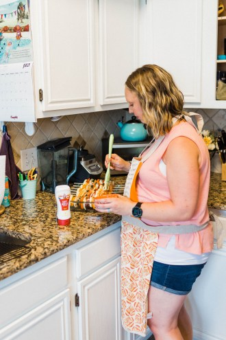 Make Summertime Entertaining a Breeze with the new Land O Lakes® Soft Squeeze™ Spread! #ad #EasySqueezy #CollectiveBias | read more at happilythehicks.com