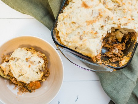 Paleo Shepherd's Pie | read more at happilythehicks.com