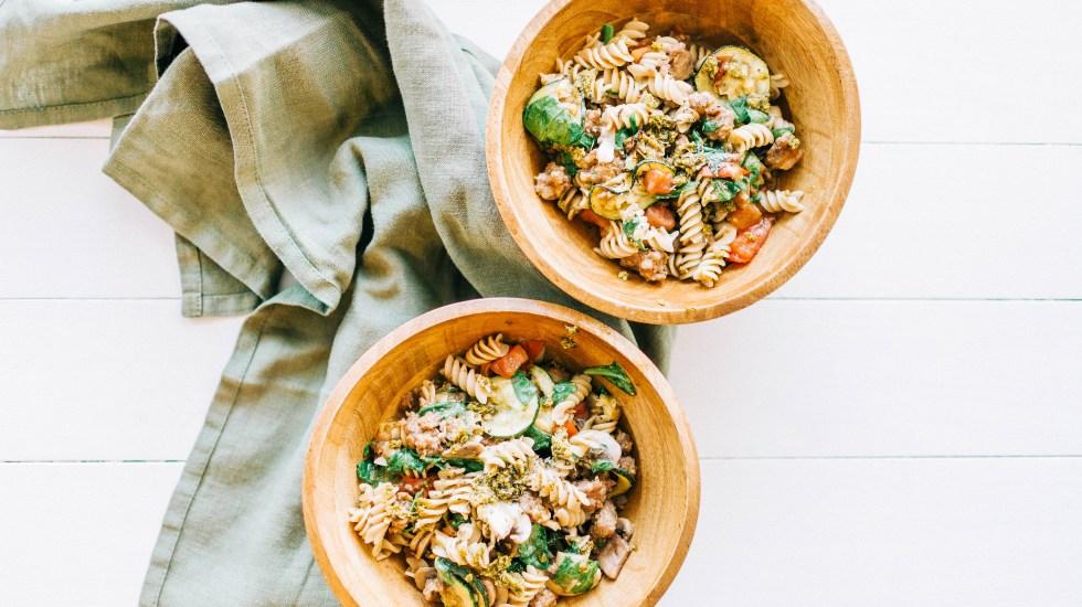 Italian Pesto Pasta | read more at happilythehicks.com