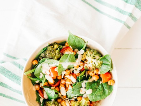 Roasted chickpea and broccoli salad | read more at happilythehicks.com