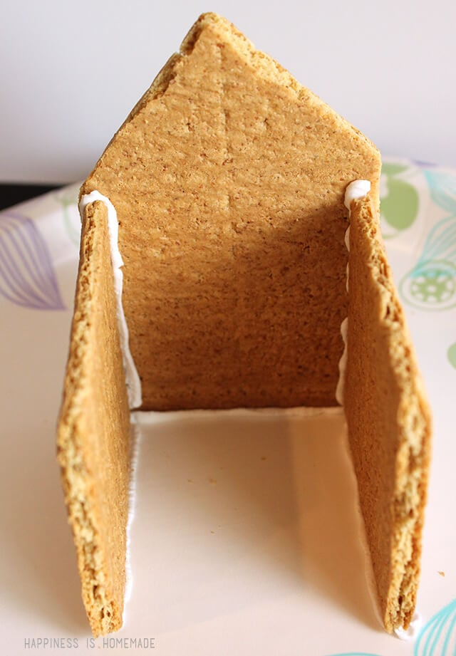 How to Make a graham Cracker Gingerbread House - Step 4
