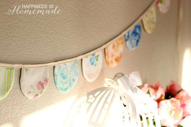 Scalloped Vintage Sheet Banner