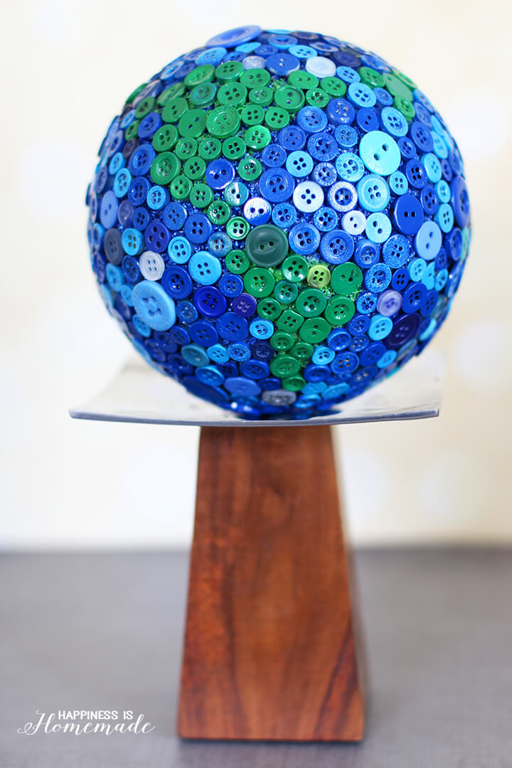 Button Globe Happiness Is Homemade