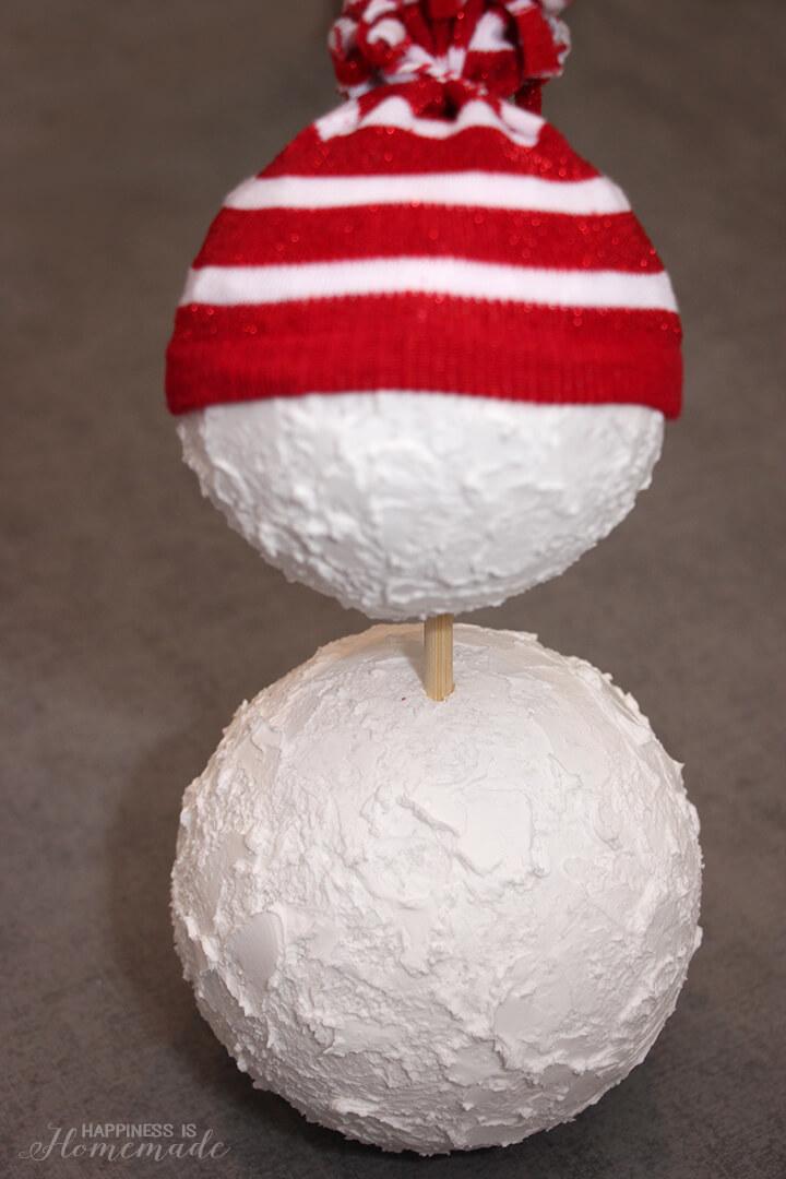 How to Make a Foam Ball Snowman
