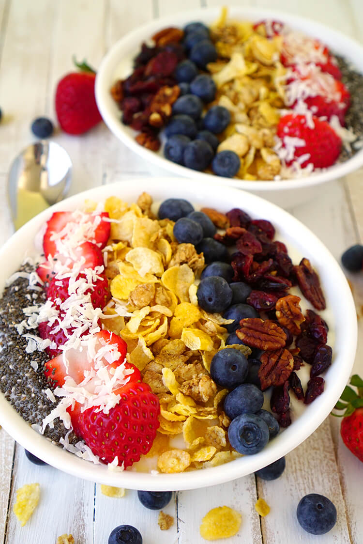 honey-oats-and-berries-breakfast-bowl