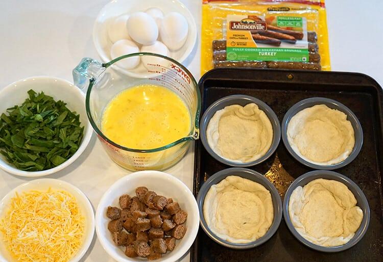 ingredients-for-easy-deep-dish-breakfast-pizzas