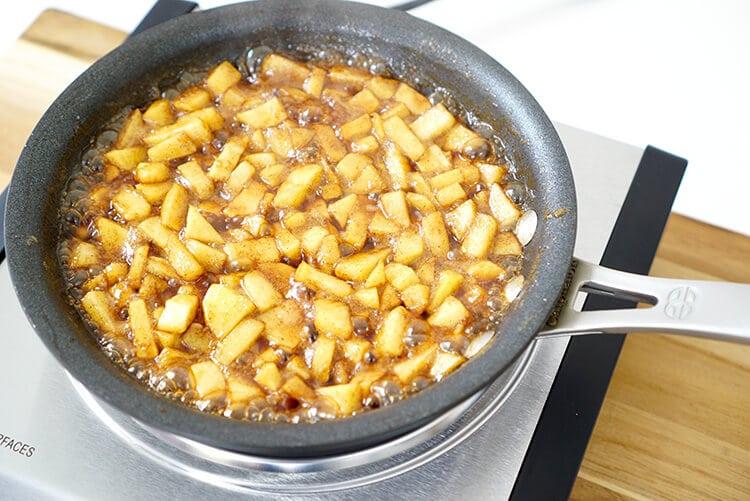 making-cinnamon-brown-sugar-caramel-apples