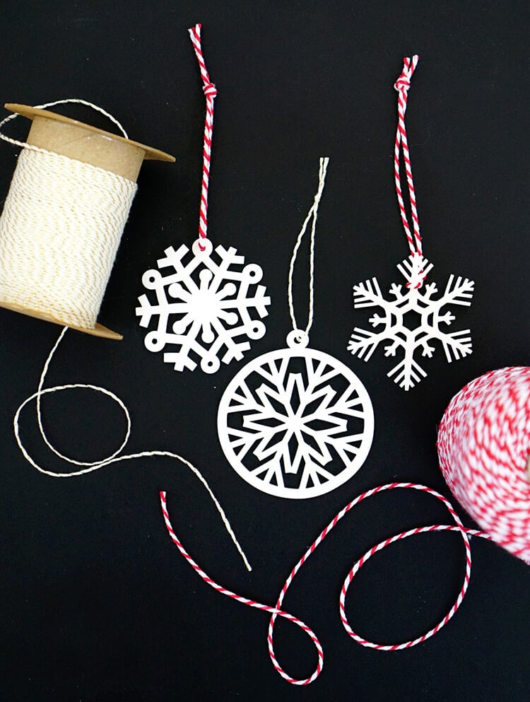 shrinky-dink-snowflake-ornaments-with-cricut