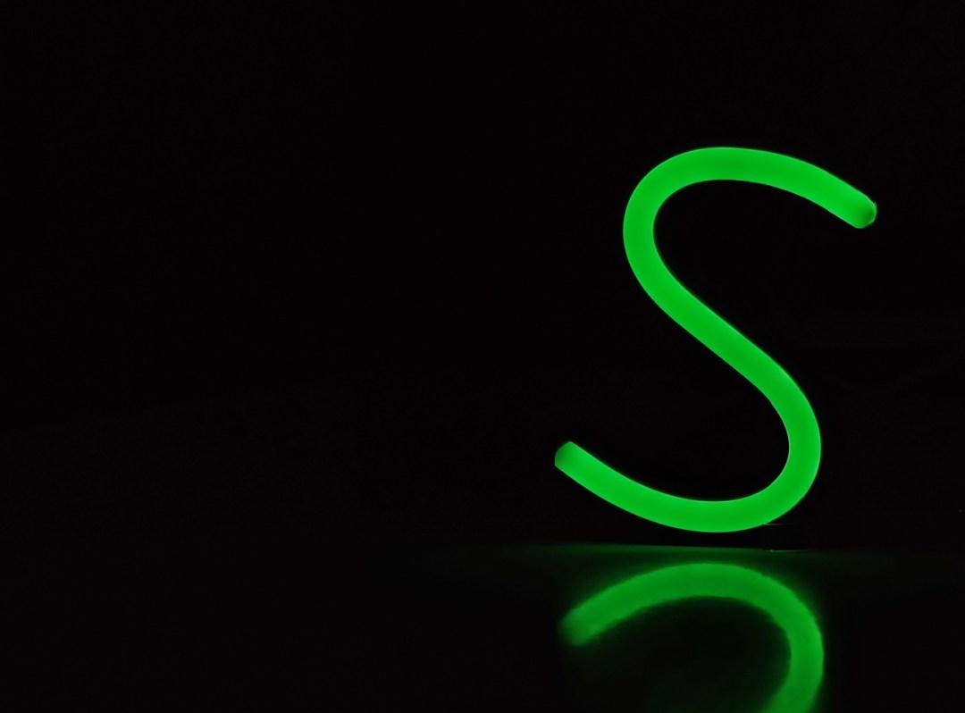 Lettres néon LED Happy Light Enseignes