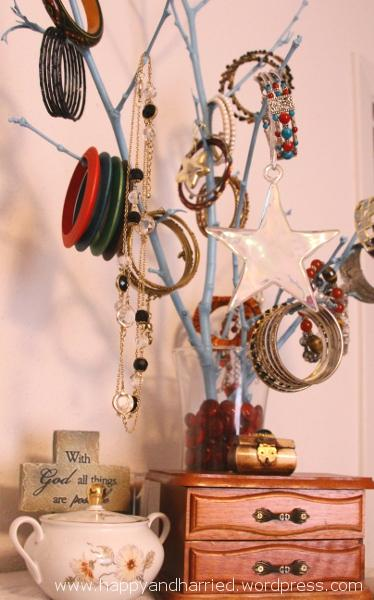 DIY Jewelry Holder 1_1