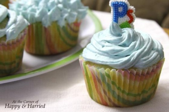 Vanilla Cupcake with Buttercream Frosting 3