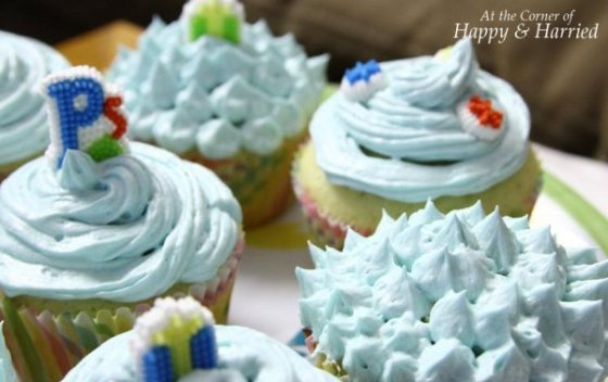 Vanilla Cupcake with Buttercream Frosting 5
