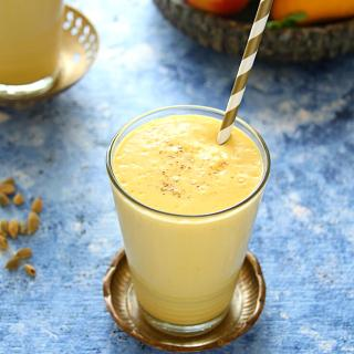 Summer Cooler – Mango Peach Lassi