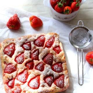 Strawberry Focaccia Bread {With Cinnamon Sugar}