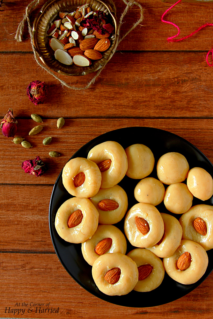 Cardamom Flavored Doodh Peda {Indian Milk Fudge}