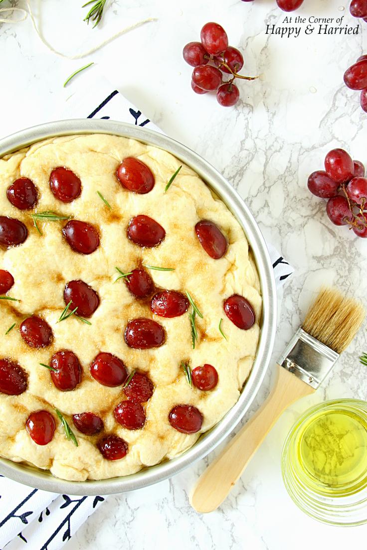 how-to-make-grape-rosemary-focaccia