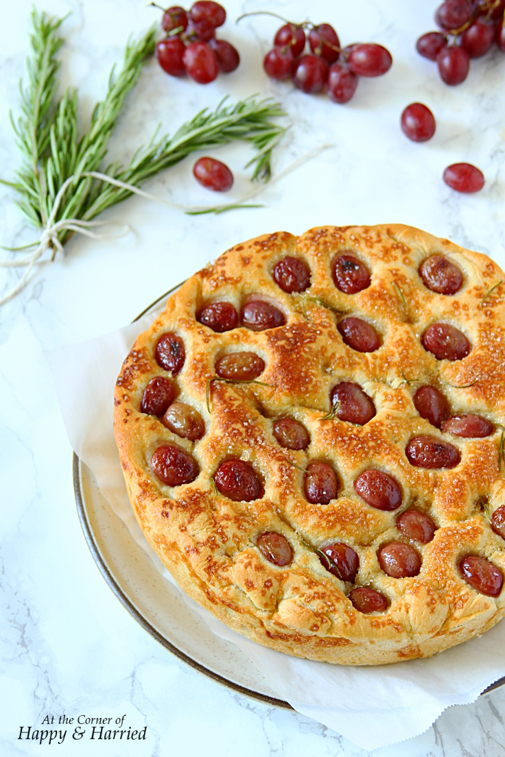 red-grapes-focaccia-with-rosemary