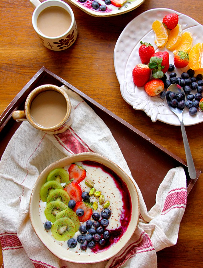 SEMOLINA PORRIDGE, FRUIT & NUT BREAKFAST BOWL - HAPPY&HARRIED