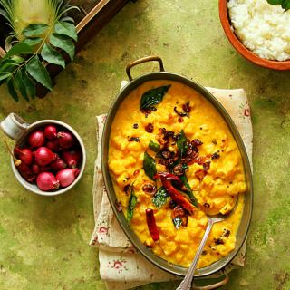 Pineapple Pachadi {Pineapple In Spiced Coconut-Yogurt Curry}