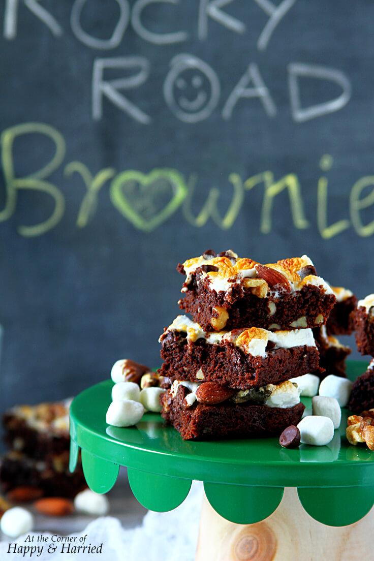 ROCKY ROAD BROWNIES - HAPPY&HARRIED