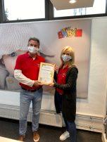 Für Nachhaltigkeit ausgezeichnet - Geschäftsführer Peter Schmuck und Petra Kühnlein - HappyBaby in Neumarkt