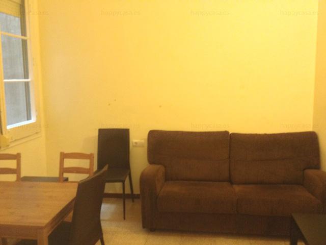 Sofa en piso compartido Happycasa Barcelona