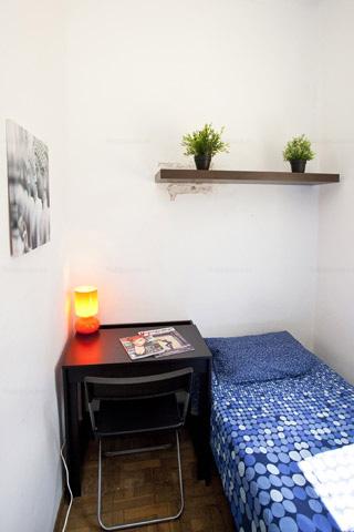 Dormitorio barato en Barcelona en zona céntrica Monumental