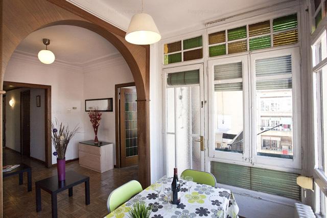 Piso compartido en alquiler Barcelona con salón luminoso