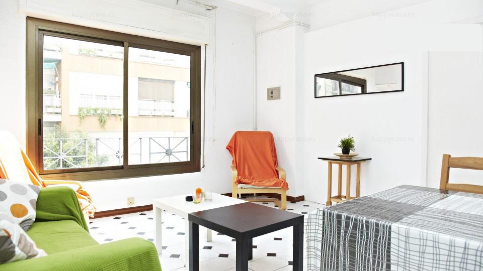 Piso compartido con salón soleado en Barcelona Grácia