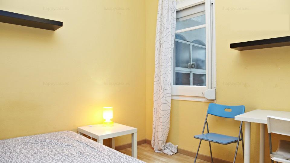 Rooms rent Barcelona next to metro Lesseps